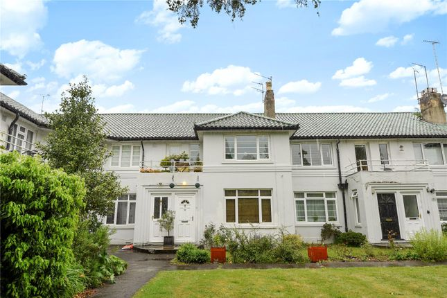 Thumbnail Maisonette to rent in Florida Court, Bath Road, Reading, Berkshire