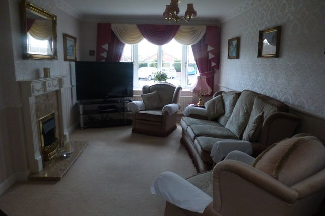 Thumbnail Detached bungalow to rent in Field Gate, Rossington, Doncaster