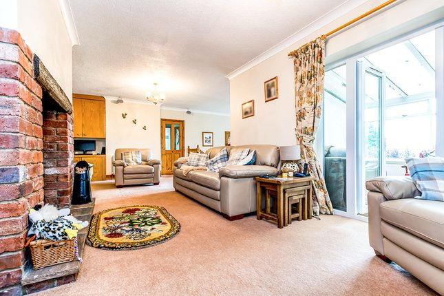 Thumbnail Detached house for sale in Scott Lane West, Riddlesden, Keighley