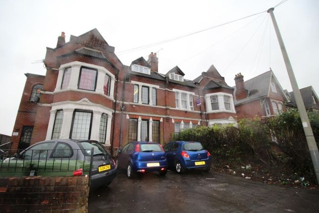 Thumbnail Flat to rent in Brookvale Road, Southampton