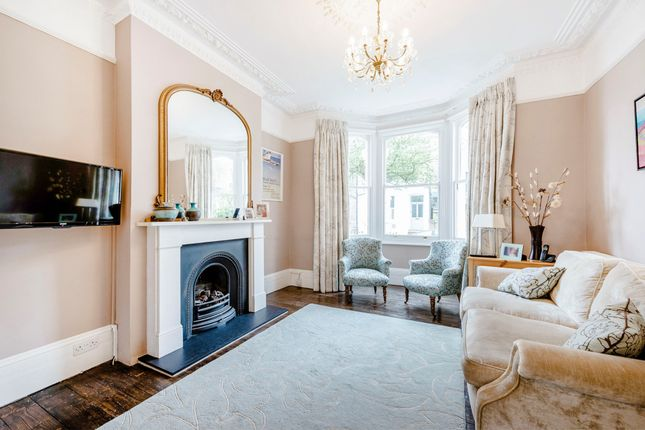 Thumbnail Terraced house to rent in Lucerne Road, London