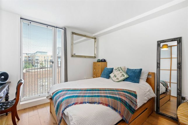 Thumbnail End terrace house to rent in Arbor House, Narrowboat Avenue, Brentford, Middlesex