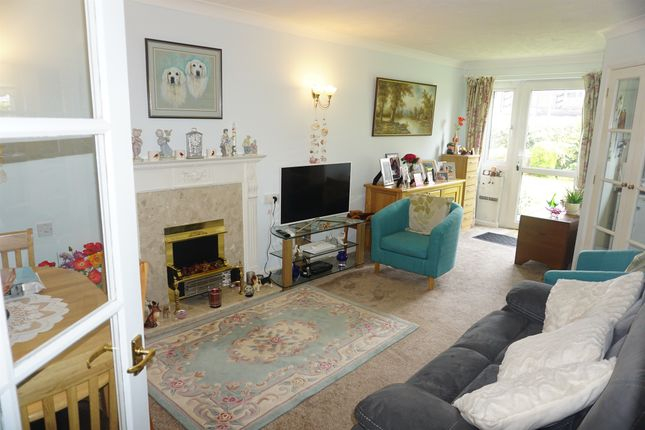Thumbnail Property for sale in Findon Road, Findon Valley, Worthing