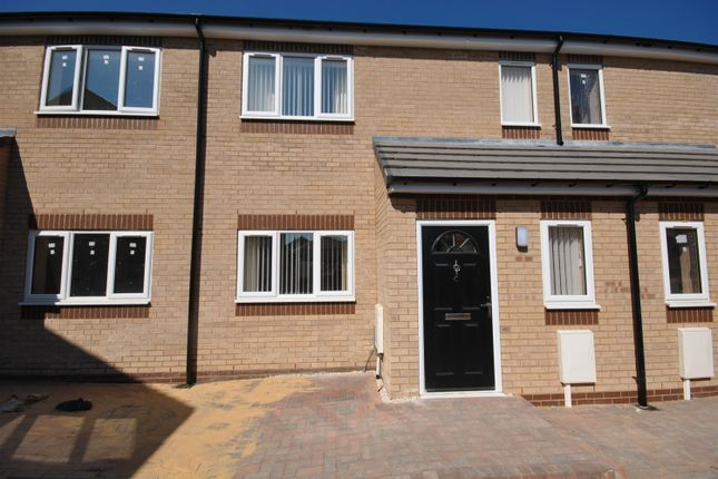 Thumbnail Terraced house to rent in Sheffield Road, Chesterfield