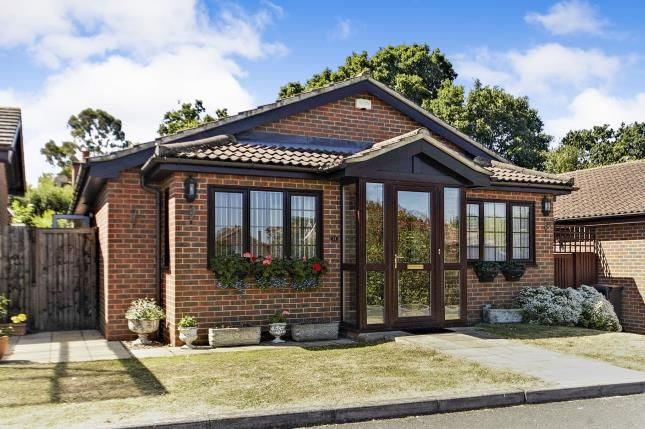 Thumbnail Bungalow for sale in Mere End, Shirley, Croydon