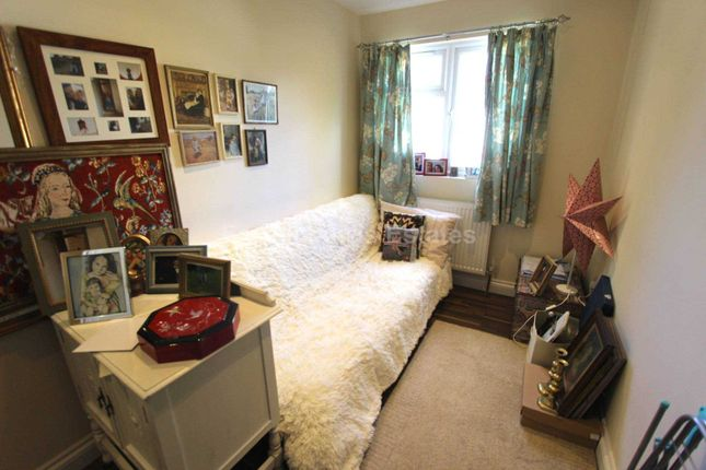 Thumbnail Flat to rent in Brassie Avenue, Acton