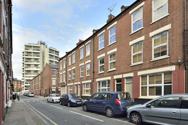 Thumbnail Terraced house to rent in Canrobert Street, London