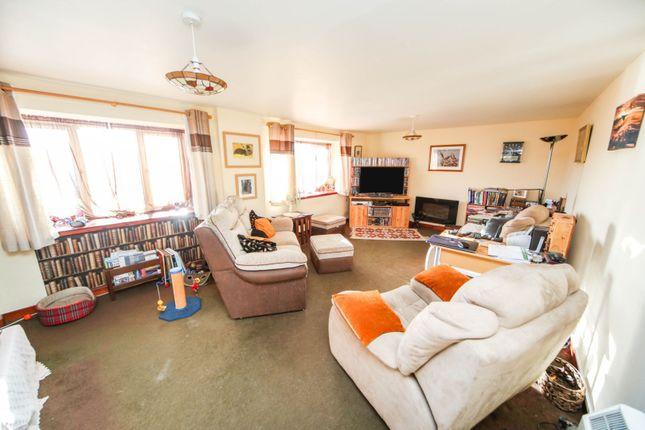 Lounge of Grange, Keith AB55