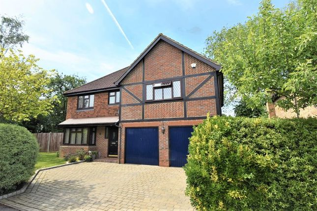 Thumbnail Detached house for sale in Kingswood Place, High Wycombe