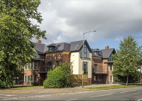 Thumbnail Flat for sale in The Limes, Guys Cliffe Avenue, Leamington Spa