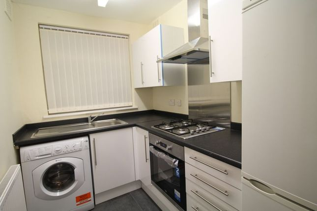 Thumbnail Semi-detached house to rent in Claremont Drive, Widnes