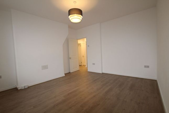 Thumbnail Flat to rent in Wheatland House, East Dulwich, London
