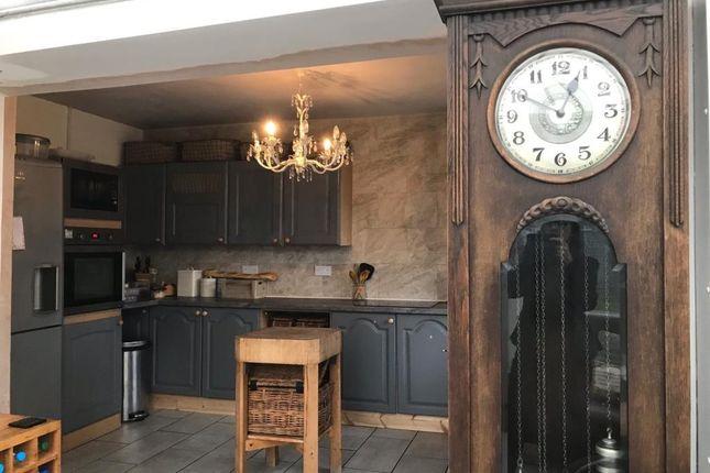 Kitchen of Hay On Wye 8 Miles, Llyswen LD3