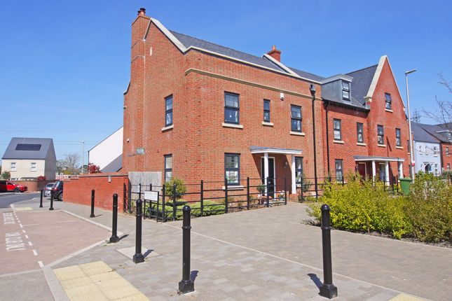 Thumbnail Detached house for sale in Dart Avenue, Exeter