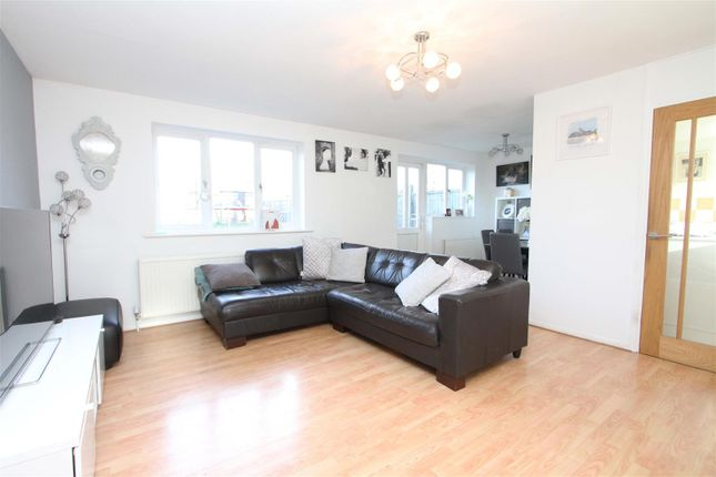 Living Room of Aylsham Drive, Uxbridge UB10