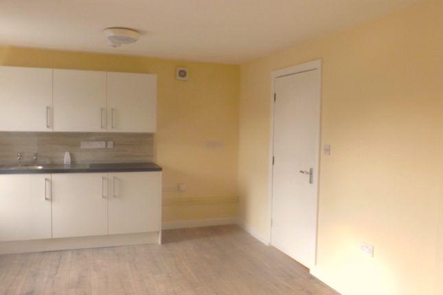 Thumbnail Flat to rent in Ty Capel Jerwsalem, Llannerchymedd, Ynys Mon