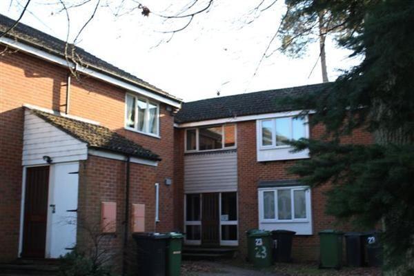 Thumbnail Flat to rent in Cornwall Road, Whitehill, Bordon