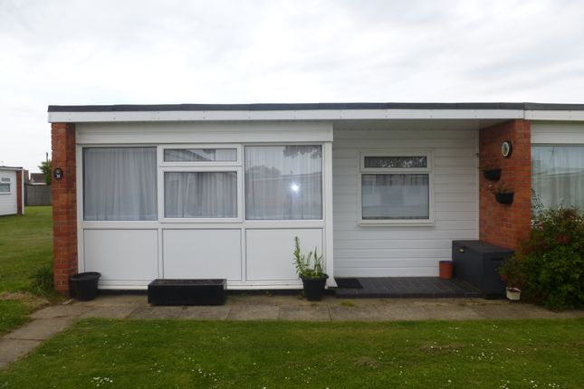 2 bed mobile/park home for sale in Beach Road, Scratby, Great Yarmouth