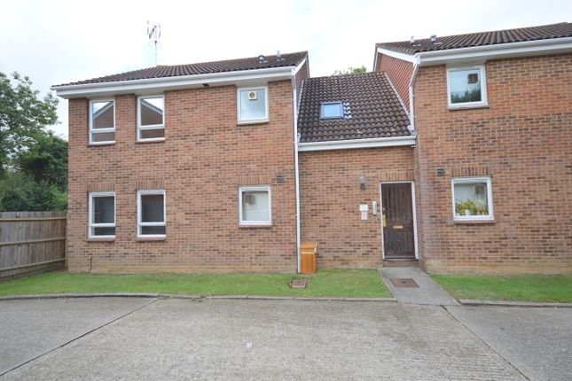 Studio to rent in Darnay Rise, Chelmsford CM1