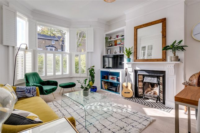 2 bed flat for sale in Foxbourne Road, London SW17