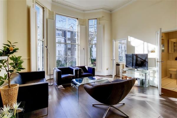 Thumbnail Flat for sale in Holland Road, London