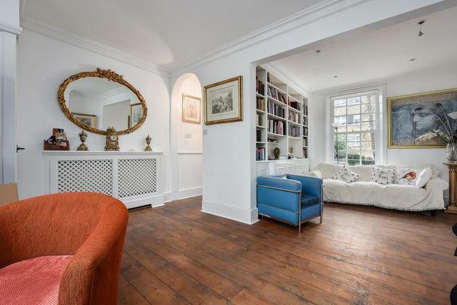 Living Room of Hanover Gardens, London SE11