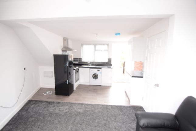 Thumbnail Terraced house to rent in Chesterfield Road, Sheffield