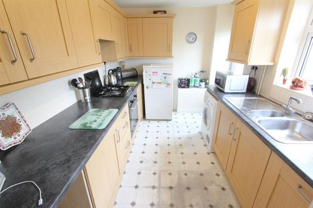 Thumbnail Town house for sale in Manor Road, Barlestone, Nuneaton