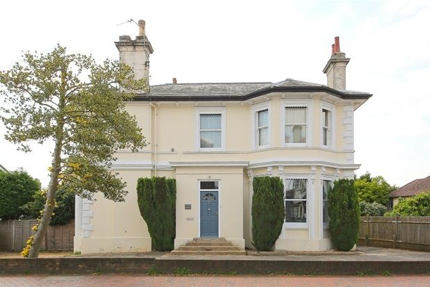 Thumbnail Flat to rent in London Road, Southborough, Tunbridge Wells