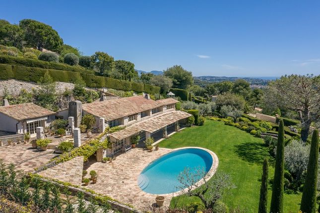 Thumbnail Villa for sale in Les Hauts De St Paul, French Riviera, France