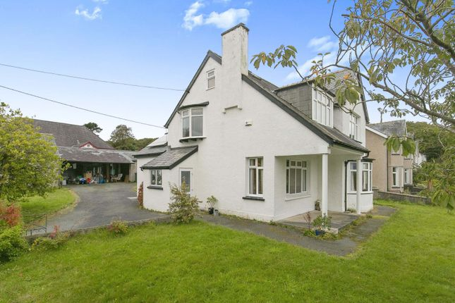 Thumbnail Detached house for sale in Borth-Y-Gest, Porthmadog