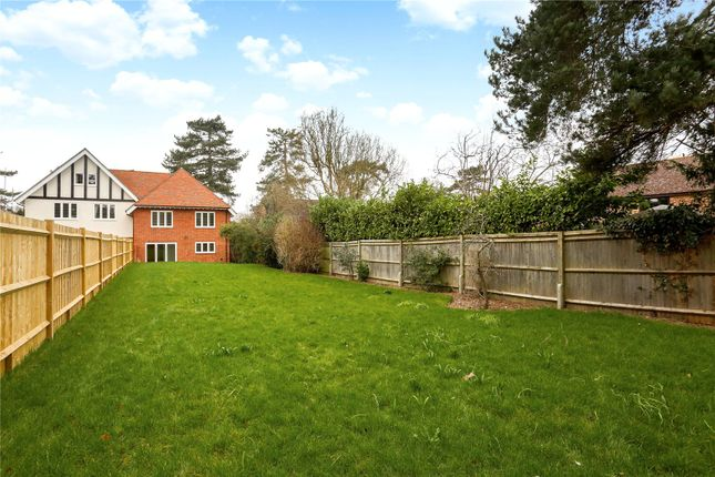 Picture No. 40 of Oakfield Road, Ashtead, Surrey KT21