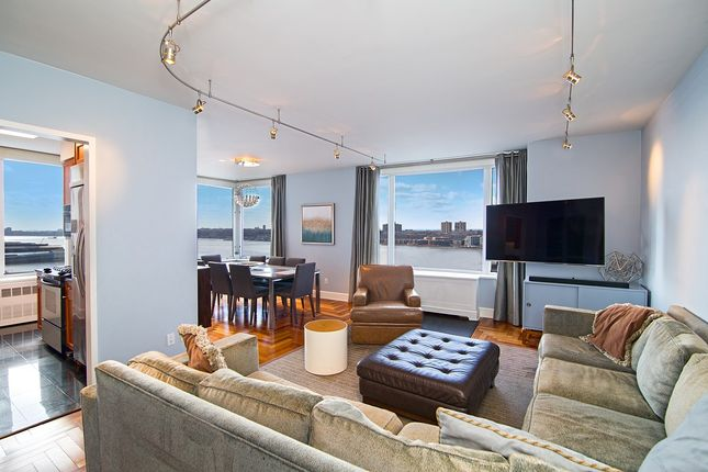 Thumbnail 3 bed apartment for sale in Riverside Boulevard 18J, Manhattan Borough, Manhattan, New York City, New York State, East Coast, United States