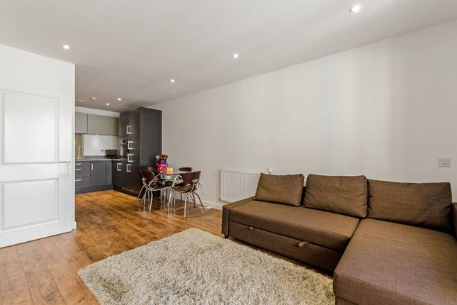 1 bed flat to rent in Poplar, Poplar