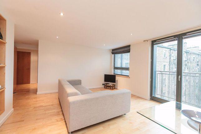 Thumbnail Flat to rent in East London Street, Edinburgh