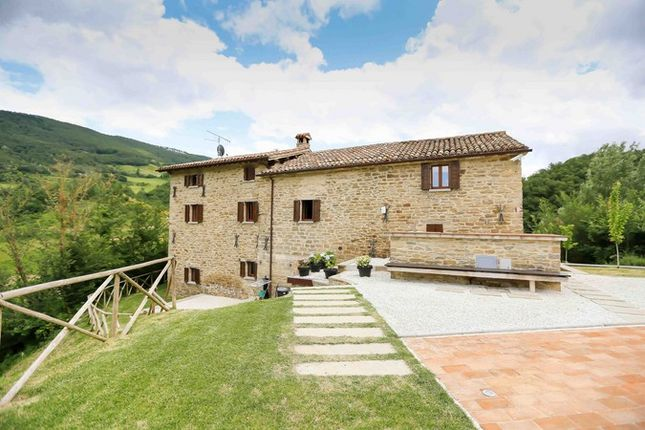 3 bed farmhouse for sale in Perugia, Italy