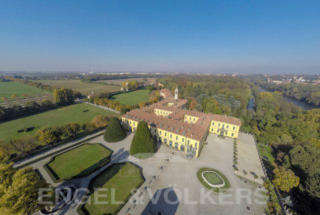 Thumbnail Villa for sale in Vaprio D'adda, Milano, Vaprio D'adda, Milan, Lombardy, Italy