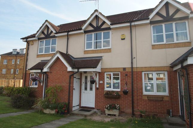 Thumbnail Property to rent in Hunters Way, Cippenham, Slough