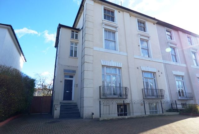 1 bed flat to rent in Claremont Road, Surbiton
