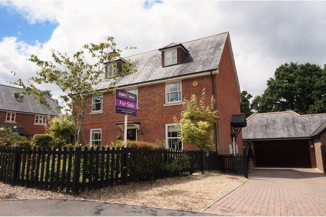 Thumbnail Detached house for sale in Gorse Knoll Drive, Verwood