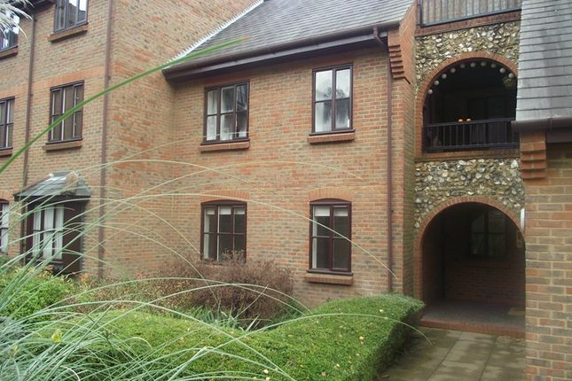 Flat for sale in Kingsmead Road, Loudwater, High Wycombe