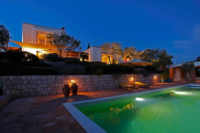 Thumbnail Villa for sale in Lagoa, West Algarve, Portugal
