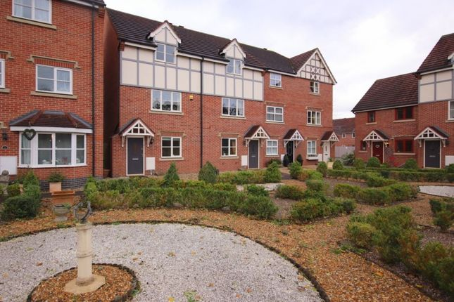 3 bed semi-detached house to rent in Wickstead Close, Stapeley, Nantwich CW5