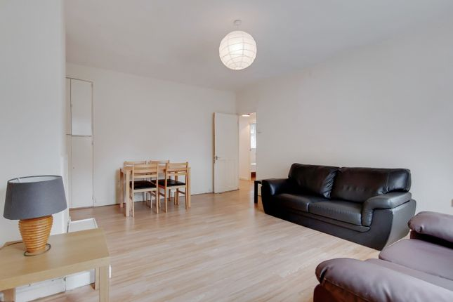 4 bed flat to rent in Duckett Street, London E1