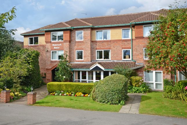 Thumbnail Flat to rent in Danesmead Close, York