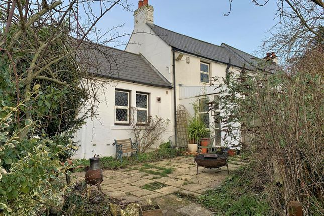 3 bed detached house for sale in Lowden, Chippenham SN15