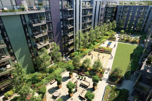 Picture No. 01 of Greenwich Square - Courtyard, Greenwich, London SE10
