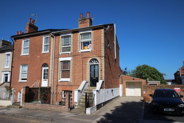 3 bed maisonette to rent in Roman Road, Colchester