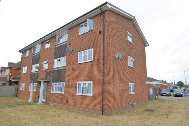 Thumbnail Flat for sale in Ash Road, Aldershot