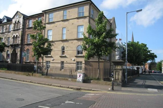 Thumbnail Flat to rent in Rugby Road, Belfast